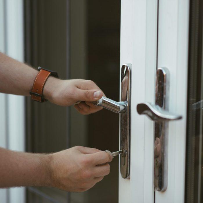 daylight_door_handle_hands_home_house_keys_lever-1554041